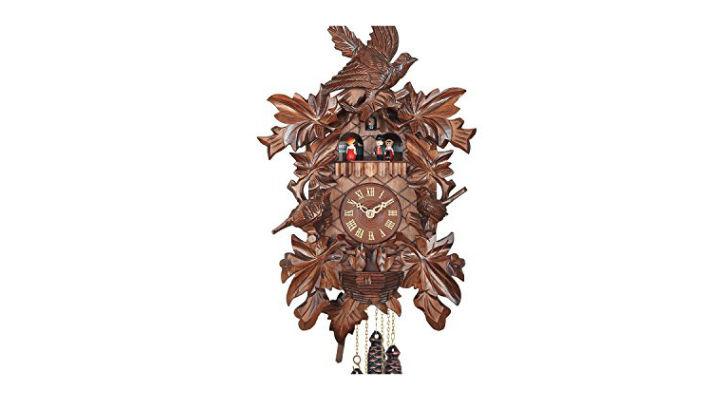 reloj de cucu de madera tallada